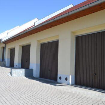 Řadové garáže-Praha východ